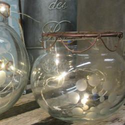 Vase med kobbernet lille